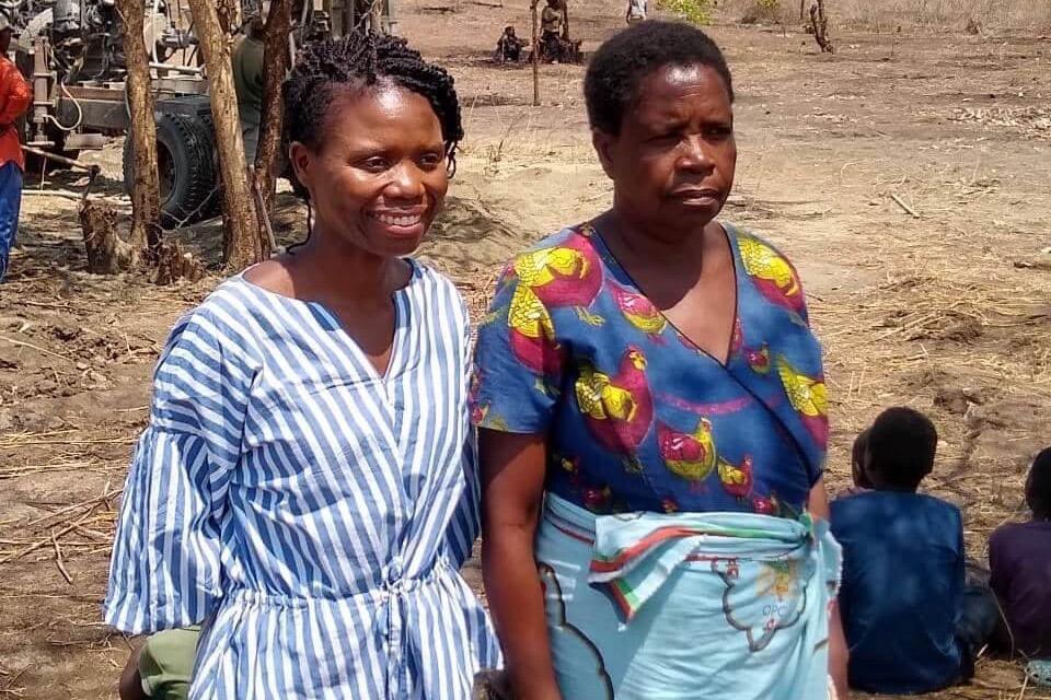 Janet Phillips mit Chief Chigalu